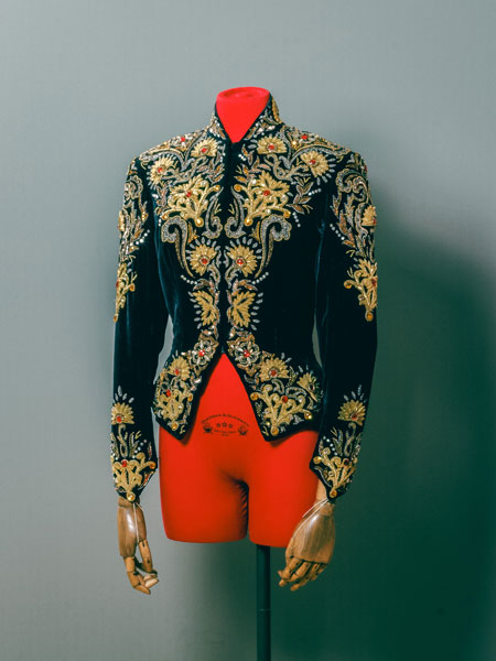 Risultati immagini per Circus Fashion Knie